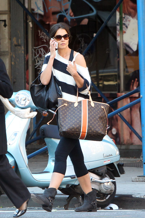 Kate Holmes carries a Louis Vuitton Mon Monogram Neverfull Tote in NYC (2)
