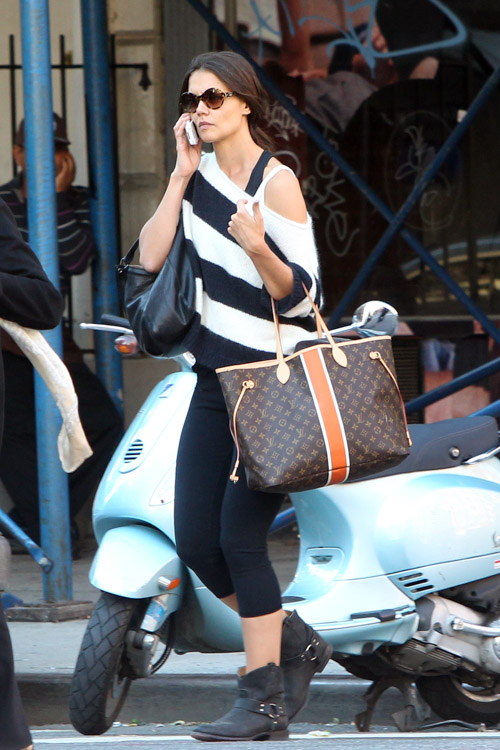 Kate Holmes carries a Louis Vuitton Mon Monogram Neverfull Tote in NYC (1)