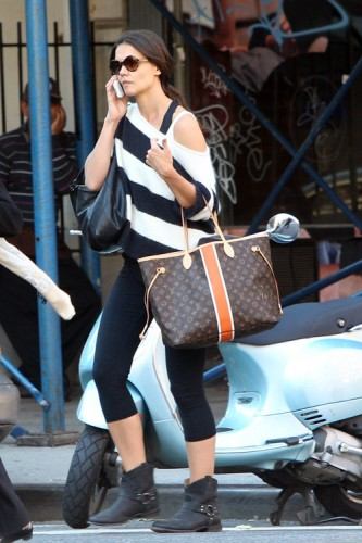 Kate Holmes carries a Louis Vuitton Mon Monogram Neverfull Tote in NYC (3)