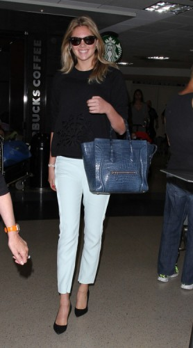 Kate Upton carries a Celine Crocodile Luggage Tote in NYC (4)