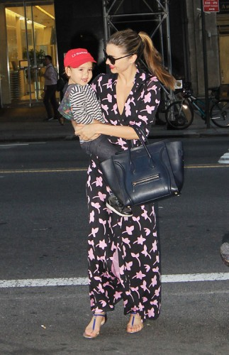 Miranda Kerr carries a blue Celine Luggage Tote in NYC (4)