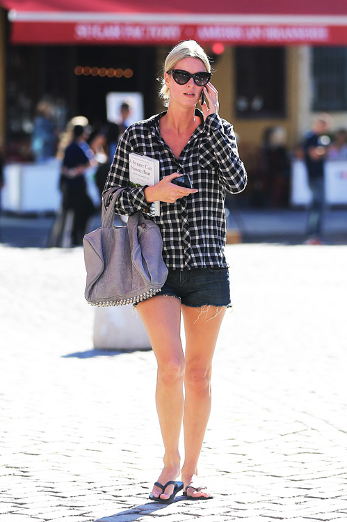 Nicky Hilton carries a grey Alexander Wang bag in NYC (3)
