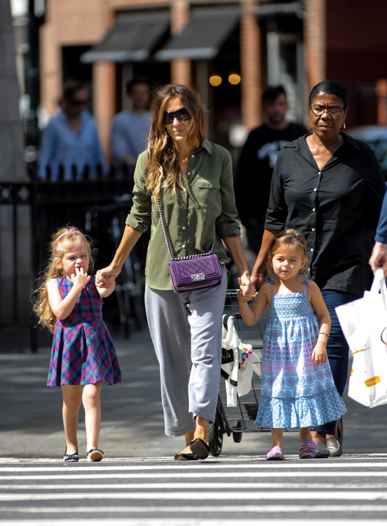 Sarah Jessica Parker carries a purple velvet Chanel Boy Bag in NYC (1)