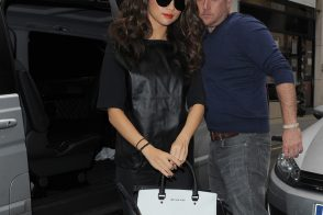 Selena Gomez carries a black and white MICHAEL Michael Kors bag in London (5)