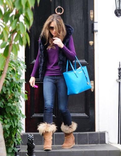 Elizabeth Hurley carries a blue MICHAEL Michael Kors Jet Set Travel Tote (4)