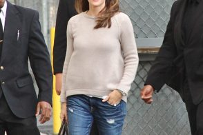 Jennifer Garner Totes an Uncharacteristically Bright Prada Bag