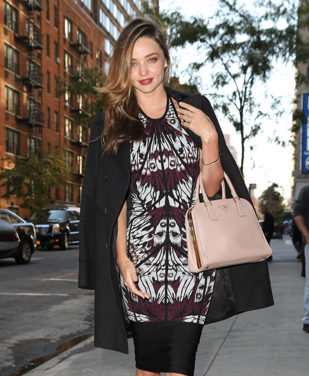 Miranda Kerry carries a pink Prada bag in NYC (2)