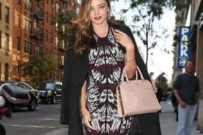 Miranda Kerr Looks Unsurprisingly Terrific with a Prada Bag