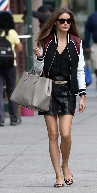 Olivia Palermo carries an Anya Hindmarch Ebury Tote (1)