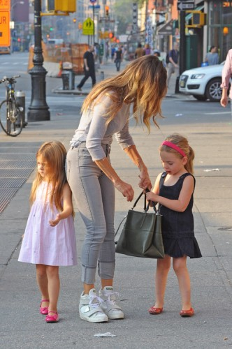 Sarah Jessica Parker carries a Coach Borough Bag in NYC (4)