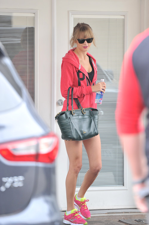 Taylor Swift Carries A Christian Louboutin Bag To The Gym Purseblog