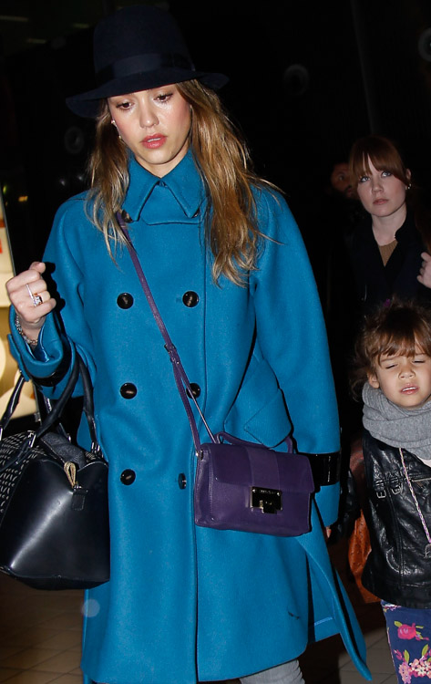 a574f25392 The Many Bags of Jessica Alba, Part Two - PurseBlog