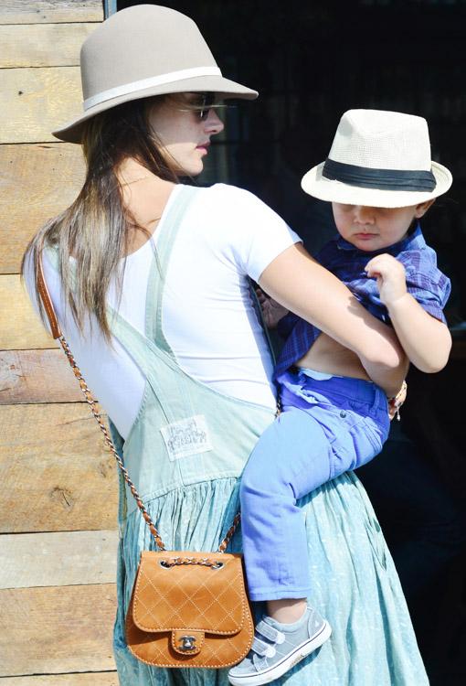 The Many Bags of Alessandra Ambrosio (34)