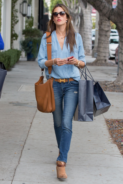Alessandra Ambrosio carries a tan Hermes bag in LA (5)