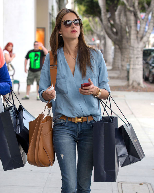 Alessandra Ambrosio carries a tan Hermes bag in LA (2)