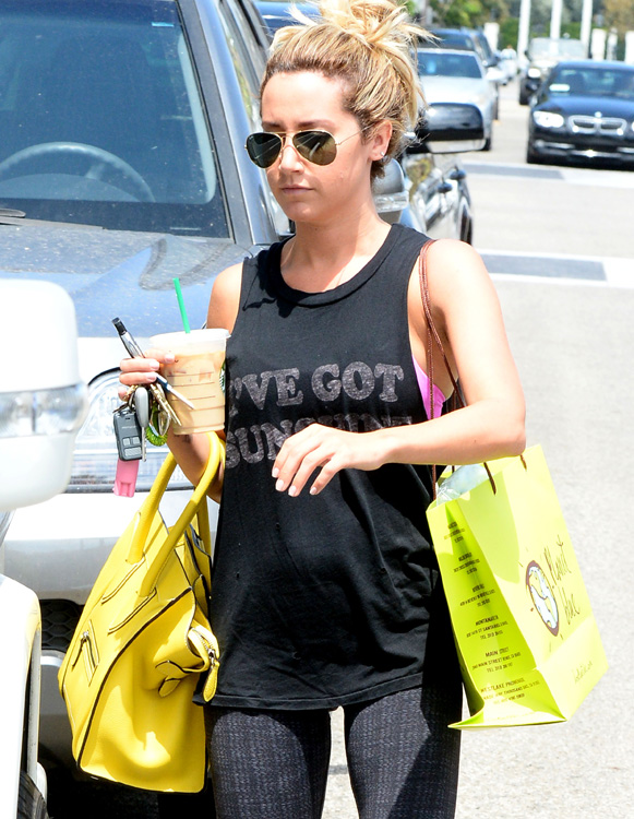Celebs and Celine Luggage Totes 17