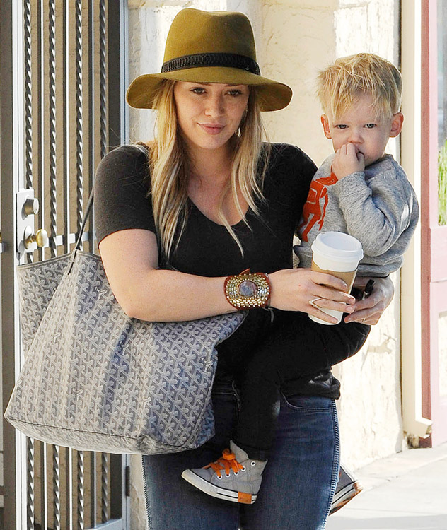 Hilary Duff carries a grey Goyard tote in Beverly Hills (2)