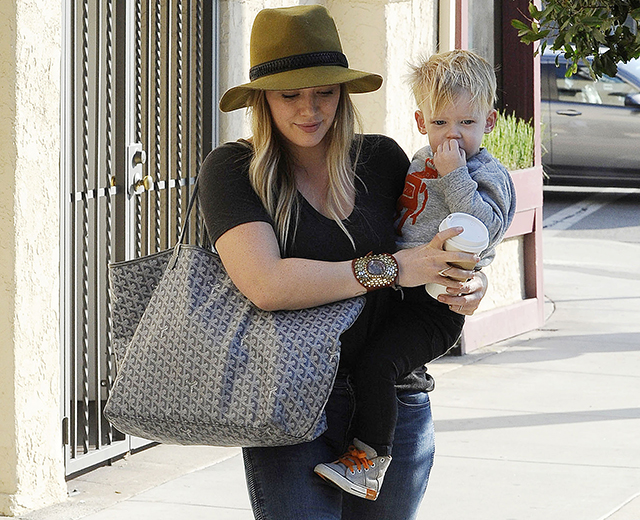 Hilary Duff carries a grey Goyard tote in Beverly Hills (5)