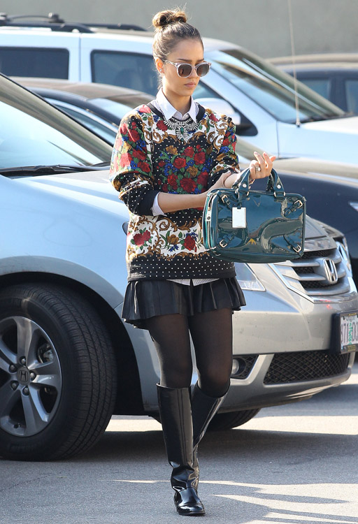Jessica Alba Celine Buckle Bag-1