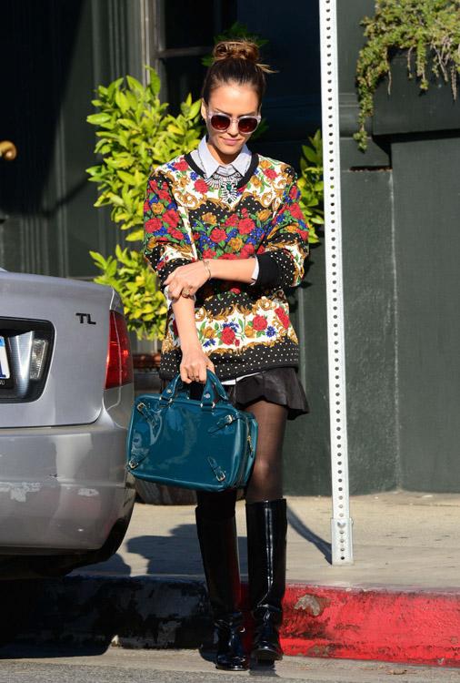 Jessica Alba Celine Buckle Bag-2