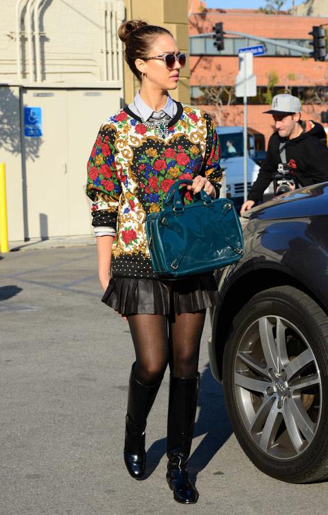Jessica Alba Celine Buckle Bag-3