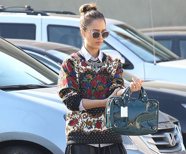 Jessica Alba carries teal Celine bag (5)