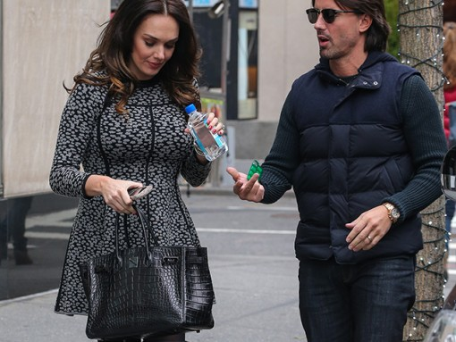 637b137b84a Tamara Ecclestone carries an Hermes So Black Alligator Birkin Bag (5)
