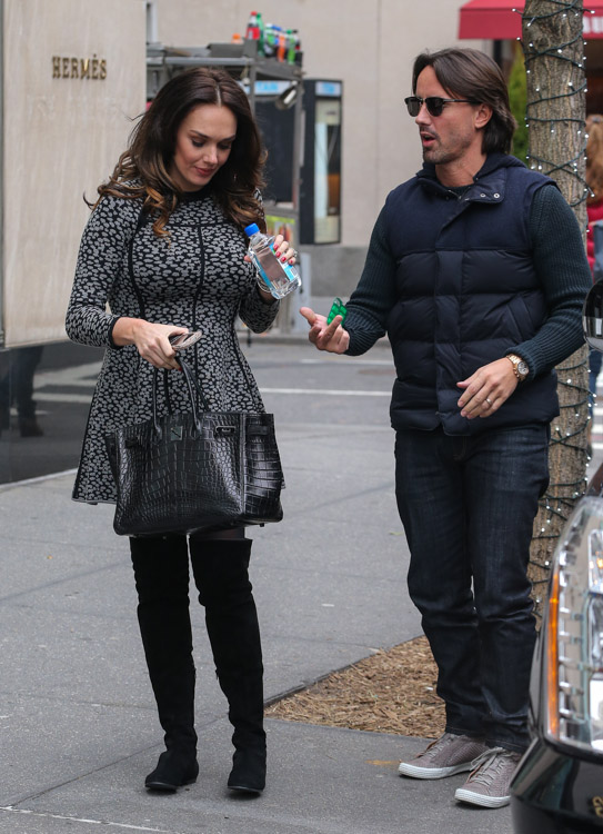 Tamara Ecclestone carries an Hermes So Black Alligator Birkin Bag (4)