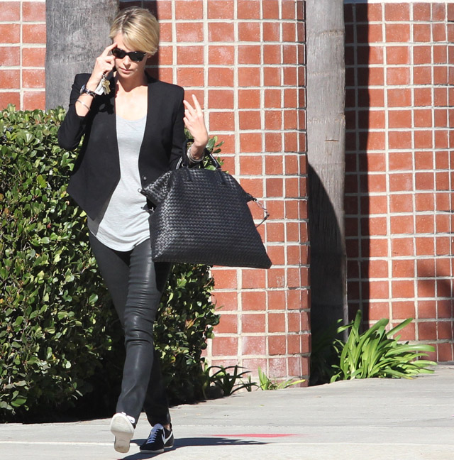 5e7a11304eab Charlize Theron Chooses an Everyday Option from Bottega Veneta ...