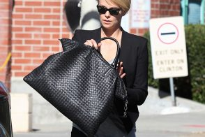 Charlize Theron Chooses an Everyday Option from Bottega Veneta