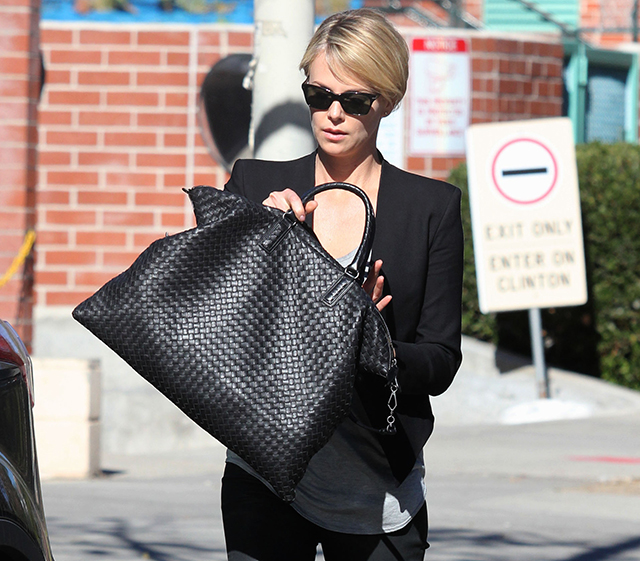 0b1450fd3897 Charlize Theron Chooses an Everyday Option from Bottega Veneta ...