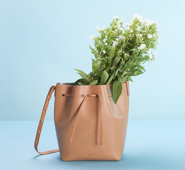 Mansur Gavriel Bucket Bag Cammello Silver Lookbook
