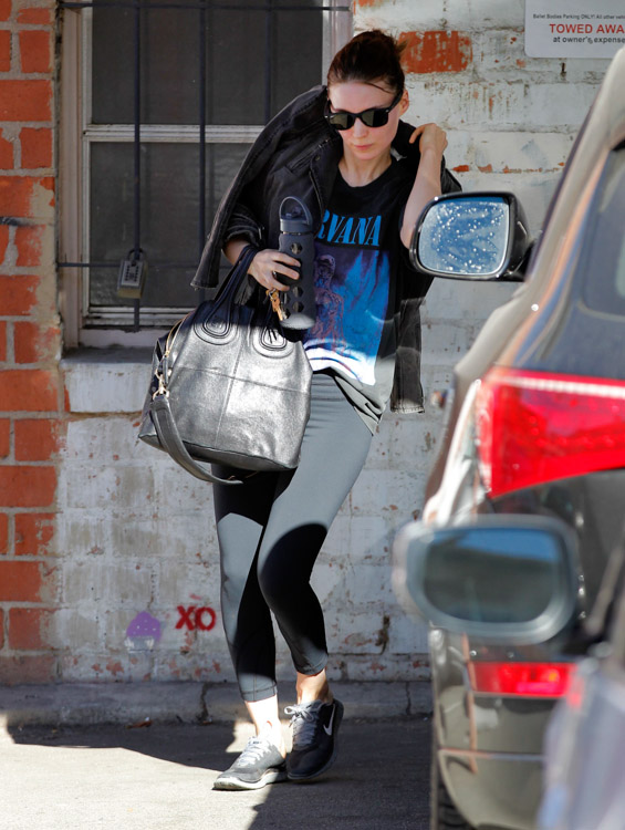 Rooney Mara Givenchy Nightingale Bag-1