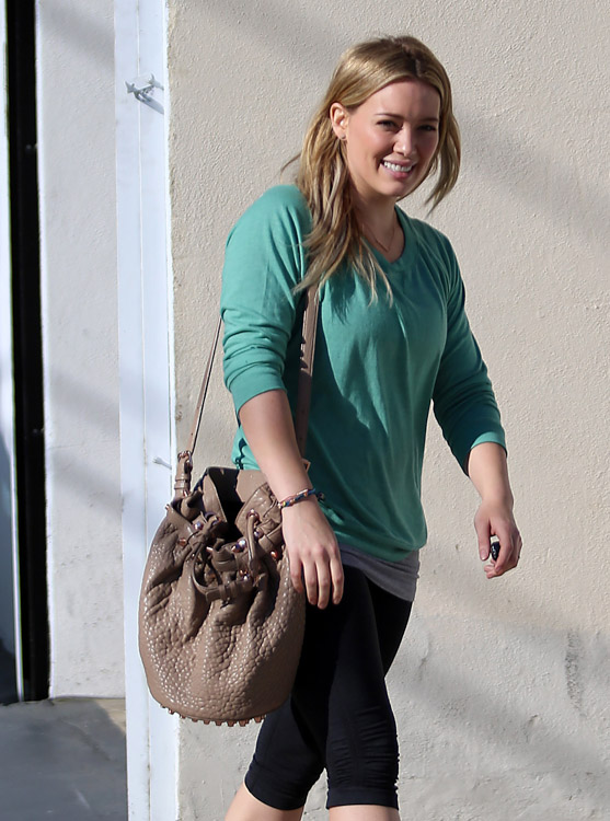 The Many Bags of Hilary Duff Part Two-18