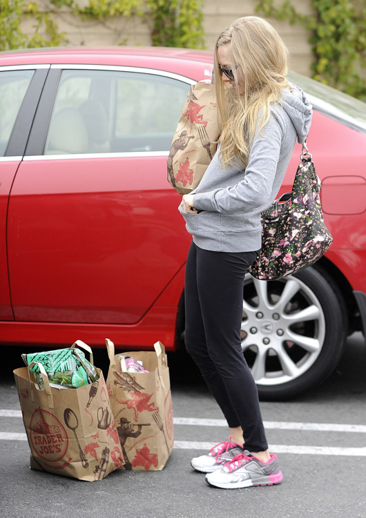 Amanda Seyfried Givenchy Floral Antigona Bag-1
