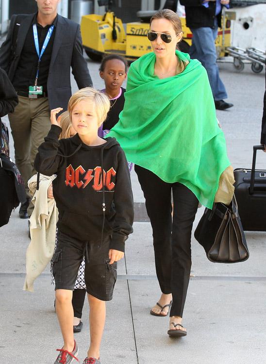 Angelina Jolie Saint Laurent Sac de Jour Tote-2