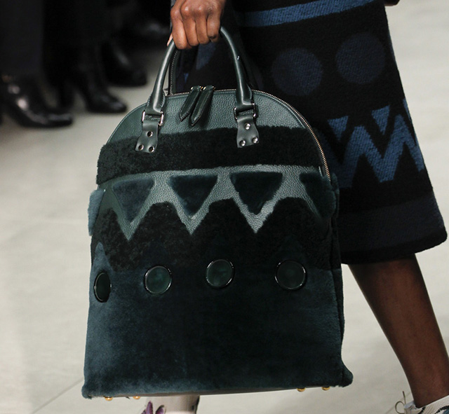 Burberry Fall 2014 Runway Bags 24