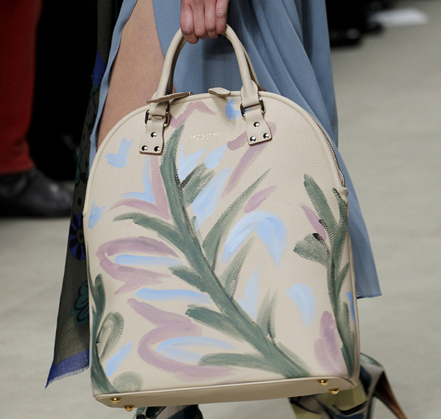 Burberry Fall 2014 Runway Bags 34