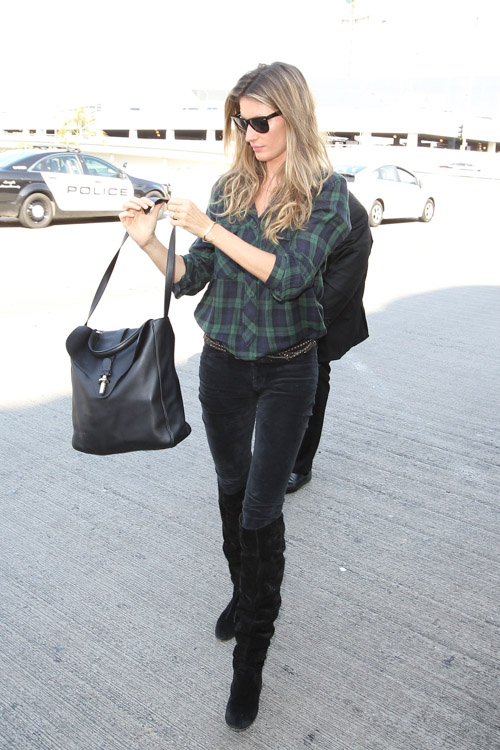 Gisele Bundchen Balenciaga Tube Shoulder Bag-4