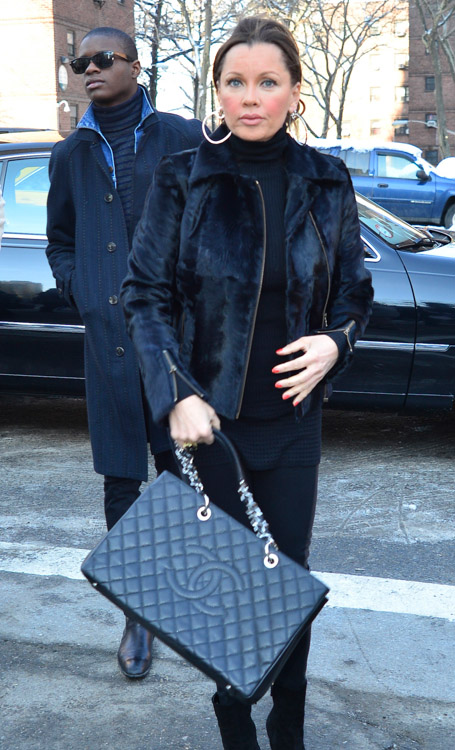 New York Fashion Week Fall 2014 Celebrity Handbags-7