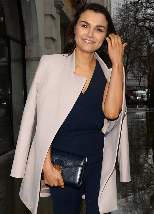 The Many Bags of London Fashion Week Fall 2014 Celebs-4