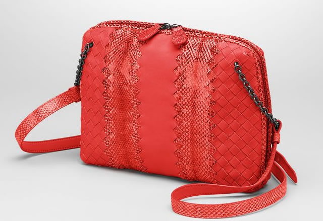 Bottega Veneta Intrecciato Nappa Ayers New Red Messenger