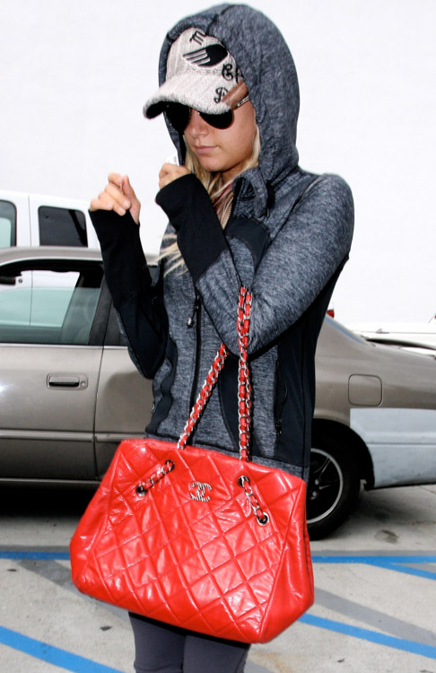 Celebrities and Their Chanel Bags-19