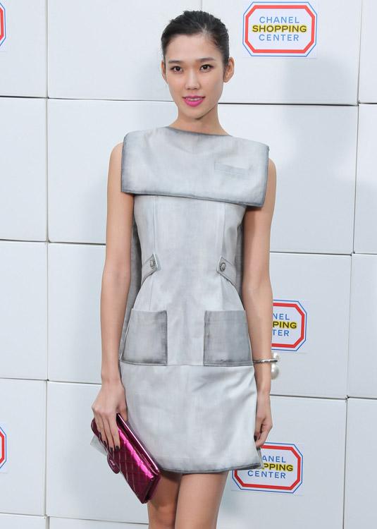 Celebrity Handbags at Paris Fashion Week Fall 2014-47