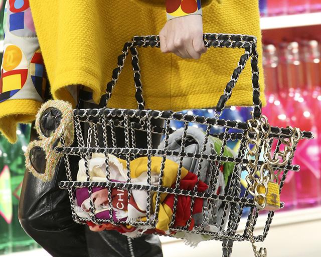 Chanel Fall 2014 Handbags 10