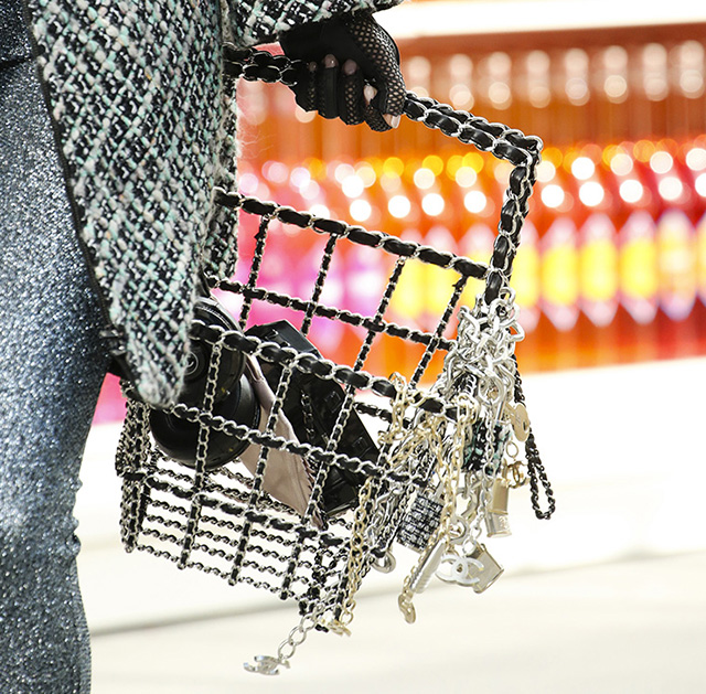 Chanel Fall 2014 Handbags 24