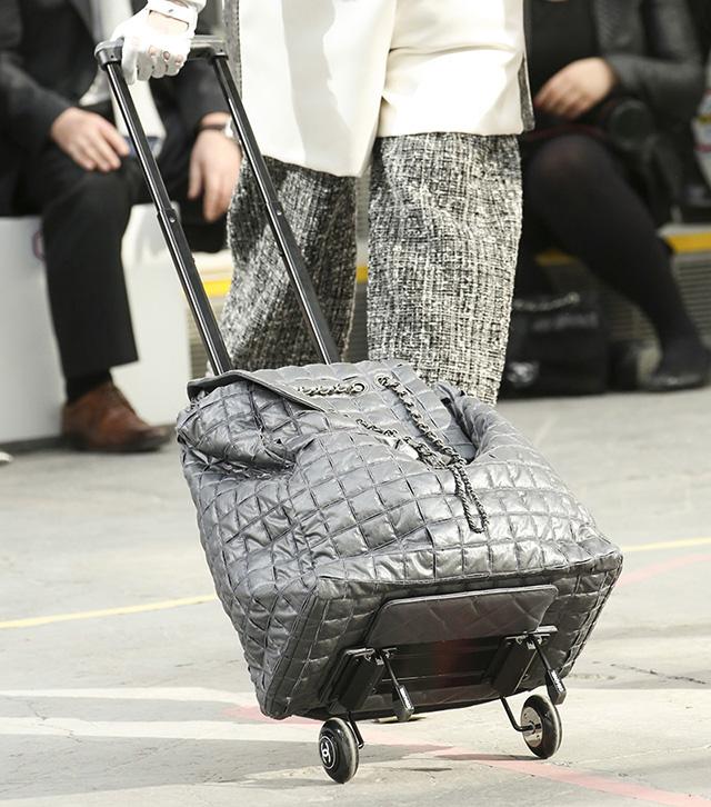 Chanel Fall 2014 Handbags 32