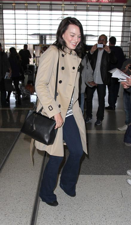 Margot Robbie Fendi 2Jours Mini Tote Bag-3