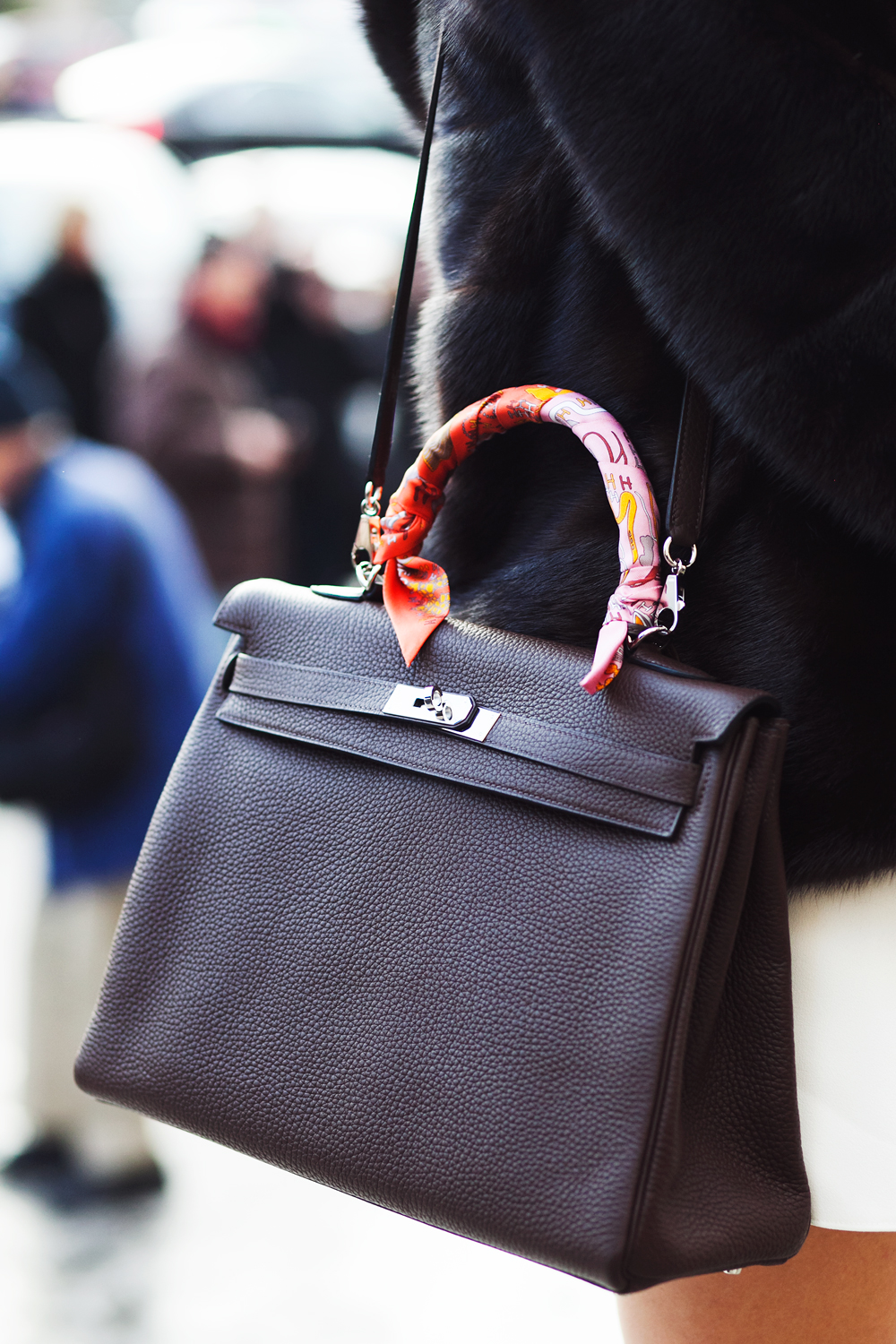 The Best Handbags from the Streets of Paris Fashion Week ...