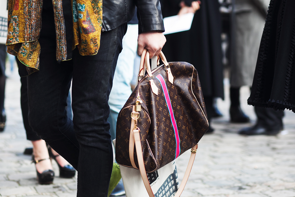the best handbags from the streets of paris fashion week